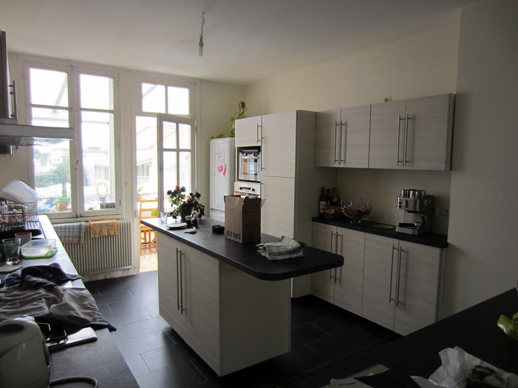 artisan cuisiniste nantes stunning concepteur with. Black Bedroom Furniture Sets. Home Design Ideas